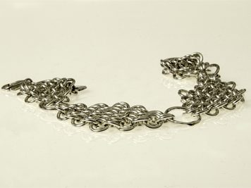 Armband silverringar i diamantform